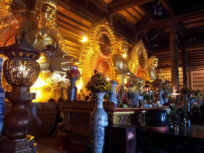 Pagoda Bai DInh en Tam Coc Ninh Binh