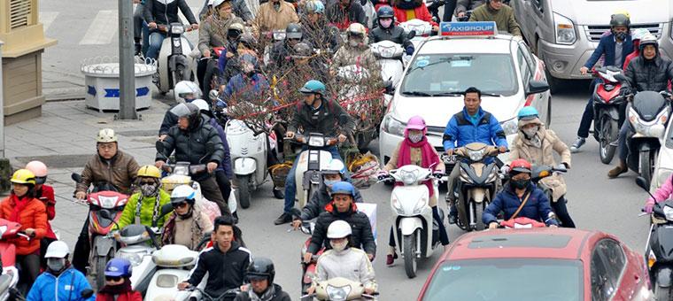 Trafico durante los periodos festivos en Vietnam