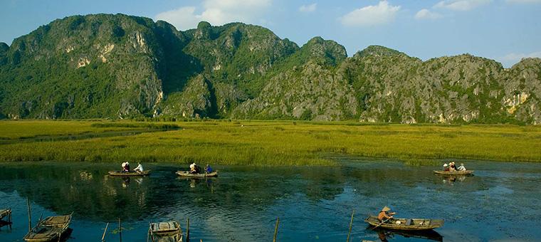 Montanas de piedra caliza Ninh Binh